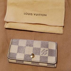 Louis Vuitton key pouch holder